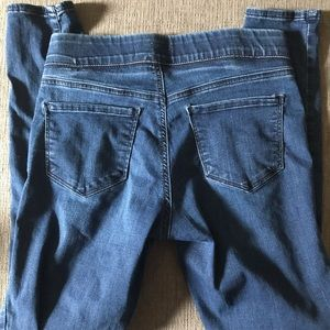 Old Navy Jeans - ROCKSTAR Mid Rise Jegging Old Navy